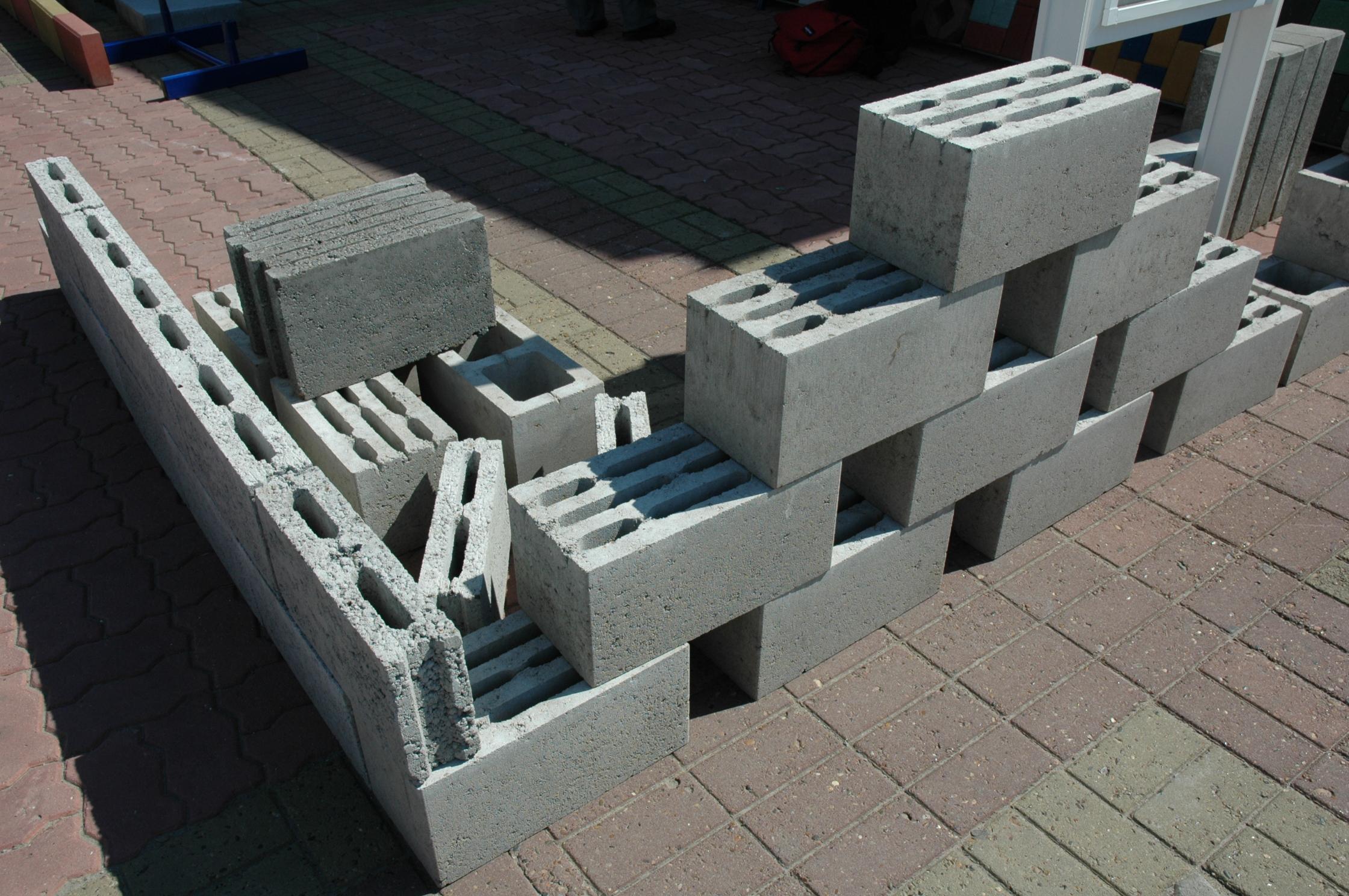 Стеновой материал из керамзита