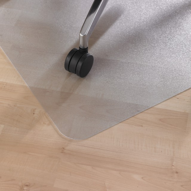Защита напольного покрытия из твердых пород древесины