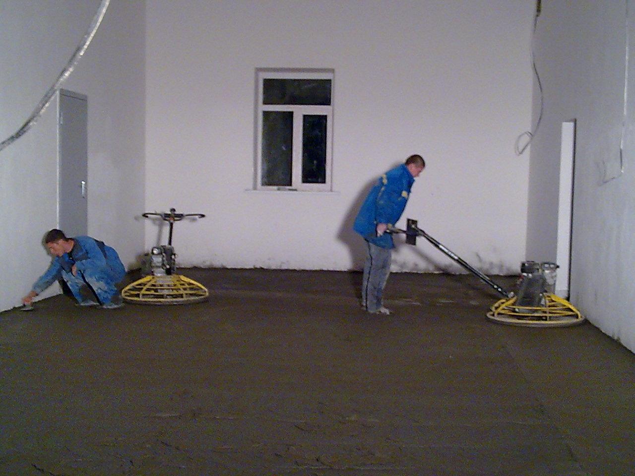 Затирка бетонной стяжки под пробковый пол