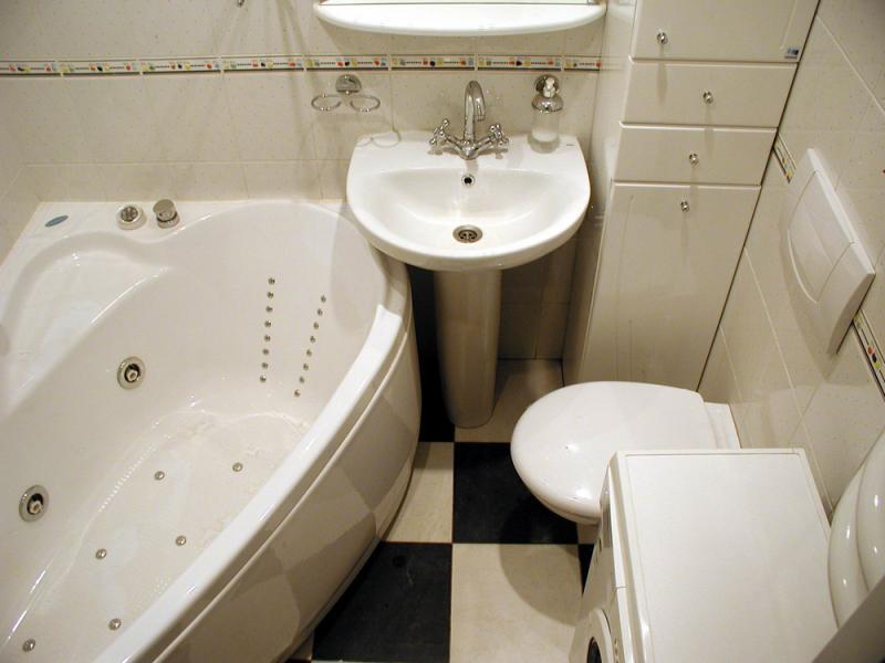 Маскировка труб в ванной комнате