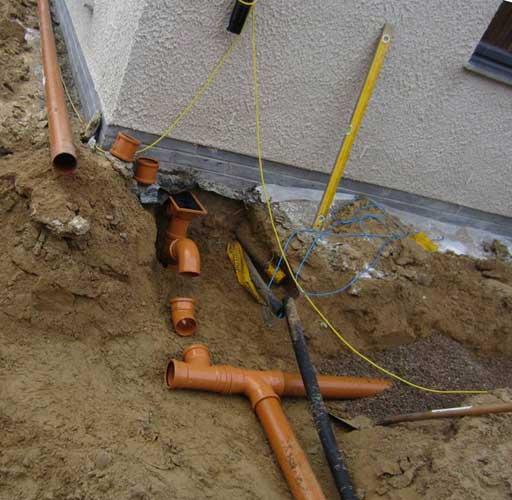 Самая простая канализация в частном доме своими руками 52