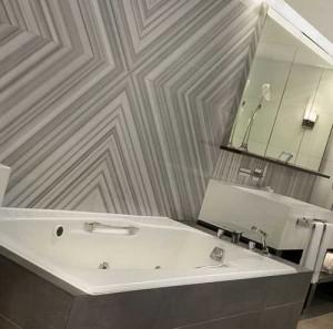 дизайн стен в ванной комнате