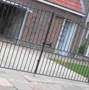 кованые для ворота для загородного дома