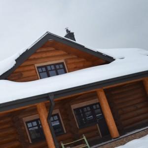 окна в крыше дома