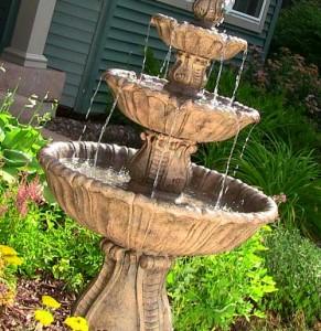 декоративный фонтан на участке