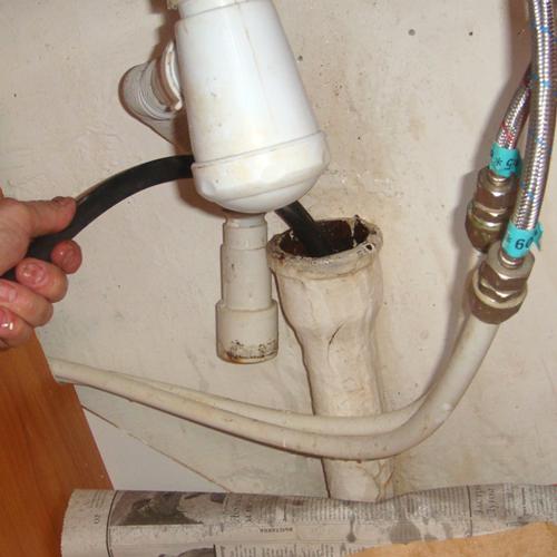 Как прочистить канализацию в частном доме?