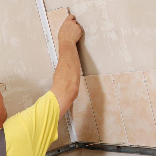 Как уложить керамическую плитку?