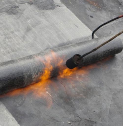 Как перекрыть крышу гаража еврорубероидом?