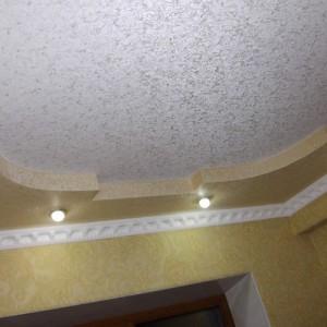 чем покрасить потолок в комнате
