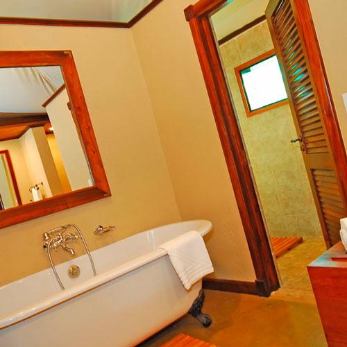 Чем покрасить стены в ванной?