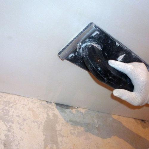 Как подготовить потолок к покраске?
