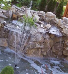 фонтан для декоративного пруда