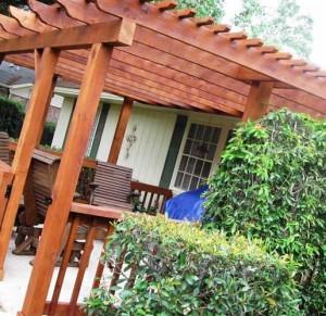 деревянная пергола на террасе