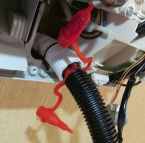 как прочистить дренаж кондиционера