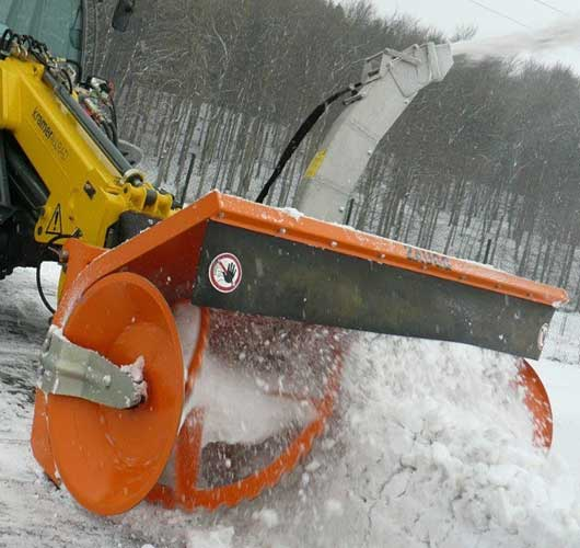 Навесное оборудование для уборки снега
