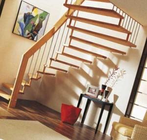 компактная лестница на второй этаж