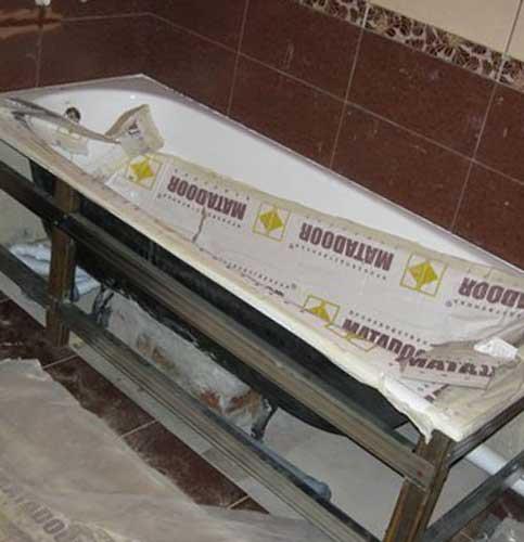 Установка стальной ванны на уголки
