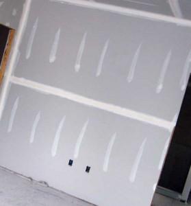 как клеить гипсокартон на стены