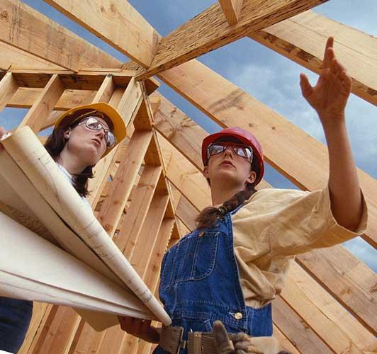 Профессионалы с большим опытом в строительстве
