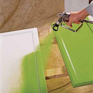 покрасить деревянную мебель
